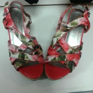 Marc Fisher Wedges size 7M multicolor